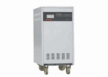 Chine Monophasé électronique de transformateur de tension constante du KVA 220V de la basse tension 5 distributeur